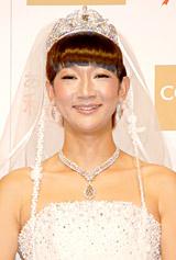 昨年8月のイベントでウエディングドレス姿を披露した北陽・虻川美穂子 (C)ORICON DD inc.