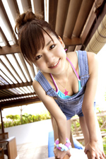 松井(まつい)ありさ「Sweet Smile〜なんでもありさ〜」(5月17日発売/3,800円:税込/発売元:講談社)(C)2010 講談社