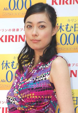 サムネイル 『キリン プラス-アイ』商品発売記念イベントに出席した吹石一恵 (C)ORICON DD inc.