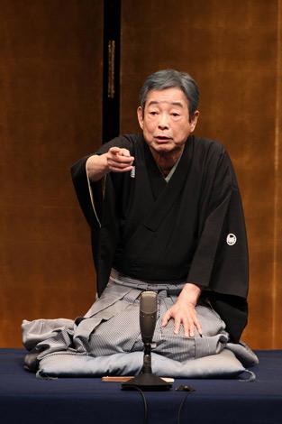 『立川流落語会』イベントで8ヶ月ぶりの高座にのぞむ立川談志 (C)阿久津知宏