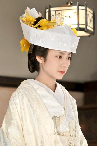 サムネイル NHK連続テレビ小説『ゲゲゲの女房』で人生初の白むく姿を披露する松下奈緒