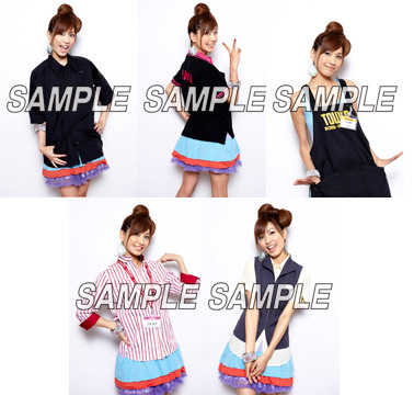 CDチェーン5社の制服を着た大島麻衣。上段左からTSUTAYA、HMV、TOWER RECORDS(下段左から)新星堂、山野楽器