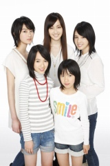 平均年齢14歳のアイドルグループbump.y(写真左より)高月彩良、宮武美桜、松山メアリ、宮武祭、桜庭ななみ