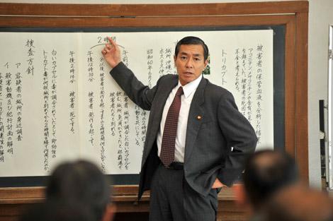 ドラマ『警視庁取調官落としの金七事件簿』で主演を務める柳葉敏郎