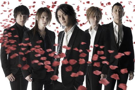 期間限定で活動を再開したリュシフェル(左から左からTOWA、YUKI、MAKOTO、ATSURO、SANTA)
