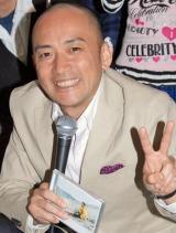 コンピアルバム『すごくおいしいうた』のミニライブに参加した、毎日放送・西靖アナウンサー (C)ORICON DD inc.