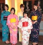 『怪談新耳袋 百物語』の記者発表に登場した、(左から)高月彩良(12歳)、宮武美桜(13歳)、松山メアリ(18歳)、宮武祭(10歳)、桜庭ななみ(17歳)。