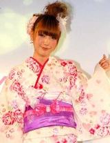 イオンの2010年新作浴衣&水着発表会『イオン2010 Yukata Magic/Mizugi Magic』に出席した木下優樹菜 (C)ORICON DD inc.