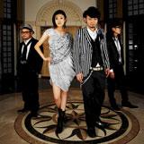 """PENGINの新曲にフィーチャリングとして参加している""""U""""こと山田優(中央左)とPENGIN(写真左よりPENGINの346、XICO、DJカットー)"""