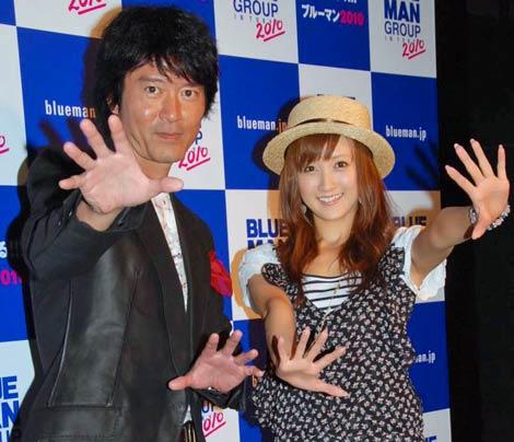 ブルーマングループのプレビュー公演を観覧した(左から)寺脇康文、小松彩夏 (C)ORICON DD inc.