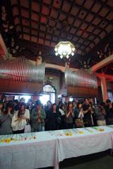 築地本願寺の本堂を一般開放