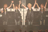 中野サンプラザで解散ライブ『MELON'S NOT DEAD』を行ったメロン記念日の(左から)村田めぐみ、柴田あゆみ、大谷雅恵、斉藤瞳