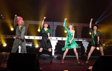 メロン記念日解散ライブ『MELON'S NOT DEAD』の模様