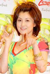 『2010 ゼスプリ キウイ』の新CM発表会に出席した藤原紀香