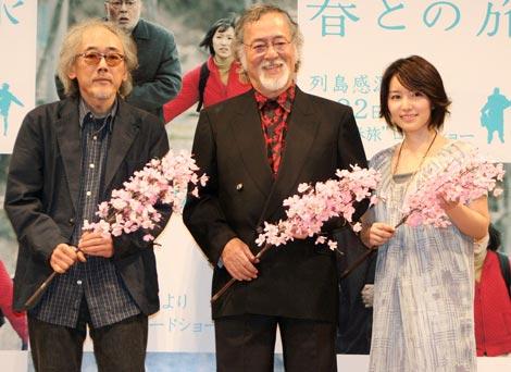 映画『春との旅』試写会イベントに出席した(左から)小林政広監督、仲代達矢、徳永えり (C)ORICON DD inc.