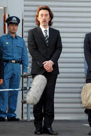 初公判判決後、報道陣の前で謝罪したJAYWALK・中村耕一被告 (C)ORICON DD inc.