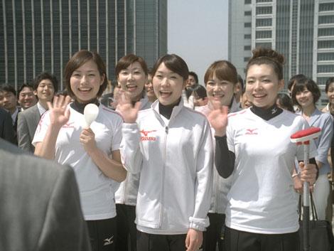 サムネイル チーム青森5人が揃って出演する『ボス 贅沢微糖』(サントリー)新CM