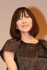 映画『シーサイドモーテル』の舞台あいさつを行った麻生久美子