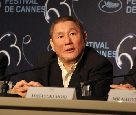 カンヌ国際映画祭の記者会見で各国のマスコミの質問に応じる北野武監督 (C)Kazuko Wakayama