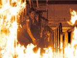 脱出! 『THE LAST MESSAGE 海猿』より(C)2010 フジテレビジョン ROBOT ポニーキャニオン 東宝 小学館 エー・チームFNS27社