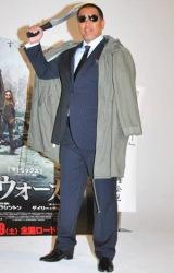 清原和博氏が映画『ザ・ウォーカー』のテレビCM収録に参加、主人公・ウォーカーの扮装も披露した (C)ORICON DD inc.