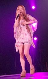 日本最大級のファッション&音楽イベント『Girls Award 2010』に出演した西野カナ (C)ORICON DD inc.