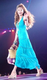日本最大級のファッション&音楽イベント『Girls Award 2010』に出演したヨンア (C)ORICON DD inc.