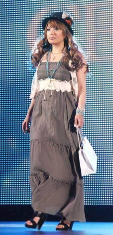 日本最大級のファッション&音楽イベント『Girls Award 2010』に出演した安西ひろこ (C)ORICON DD inc.
