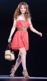 日本最大級のファッション&音楽イベント『Girls Award 2010』に出演した佐々木希 (C)ORICON DD inc.