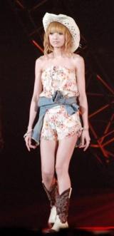 日本最大級のファッション&音楽イベント『Girls Award 2010』に出演した南明奈 (C)ORICON DD inc.
