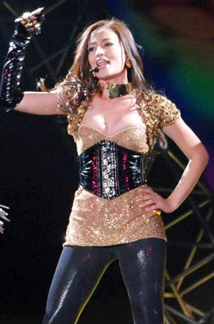 日本最大級のファッション&音楽イベント『Girls Award 2010』に出演した黒木メイサ (C)ORICON DD inc.