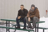 映画『マイ・ブラザー』より〜トビー・マグワイア演じる兄・サムとジェイク・ギレンホール演じる弟・トミーが語らう印象的なシーン(C) 2009 Brothers Production, LLC. All Rights Reserved.