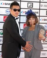 『MTV WORLD STAGE VMAJ 2010』のレッドカーペットイベントに出席したMINMI&若旦那夫妻 (C)ORICON DD inc.