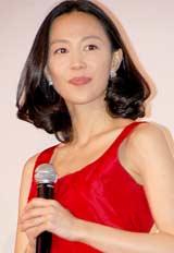 映画『告白』の初日舞台あいさつに登壇した木村佳乃