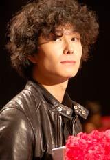 映画『告白』の初日舞台あいさつに登壇した岡田将生