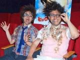 映画『ヒックとドラゴン』のCM撮影で無残な姿を披露したオードリー(左から若林正恭、春日俊彰)