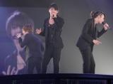 『JUNSU/JEJUNG/YUCHUN THANKSGIVING LIVE IN DOME』最終日公演の模様 (左から)ジェジュン、ジュンス、ユチョン