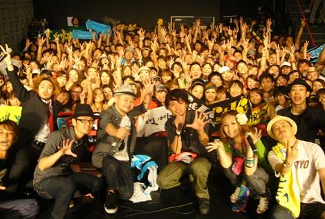地元・沖縄で初凱旋ライブを行ったPENGIN