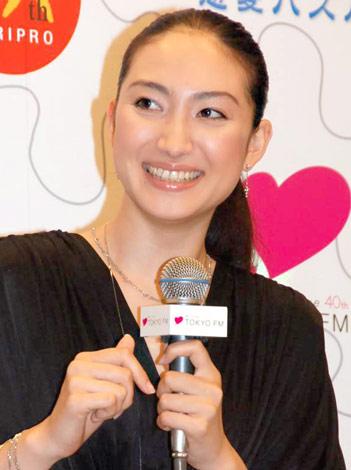 ラジオドラマ『LOVE=Platinum 恋愛パズル』のお披露目会見に出席した香椎由宇 (C)ORICON DD inc.
