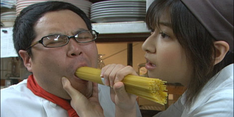 ゴールデンに進出する『コレってアリですか?』での南沢奈央(右)の熱演にも注目 (C)日本テレビ