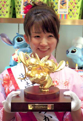 購入可能な純金製の500万円のスティッチ&エンジェル像がお披露目! (C)ORICON DD inc.