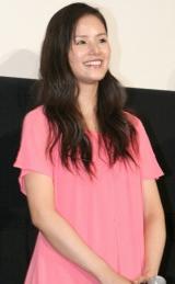 映画『シュアリー・サムデイ』の完成披露試写会に登壇した小西真奈美 (C)ORICON DD inc.
