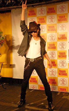 著書『Dream&Love』の発売記念イベントで、華麗なダンスパフォーマンスを披露したケント・モリ (C)ORICON DD inc.