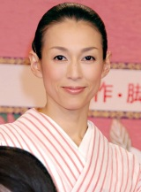 2011年大河ドラマ『江〜姫たちの戦国』で浅井三姉妹の母・市に起用された鈴木保奈美