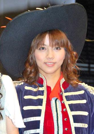 洋服が素敵な甲斐まり恵さん