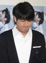 ライブツアー『FUN FAN』最終公演前のインタビューで、うつむき目に涙を溜めながら急死したパク・ヨンハさんについて語ったリュ・シウォン (C)ORICON DD inc.