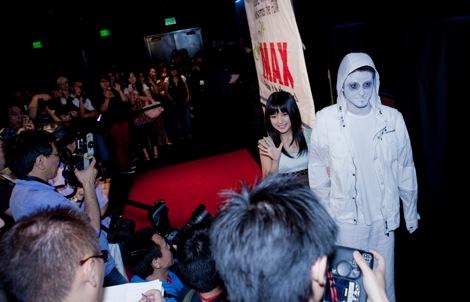 報道陣約100人、ファン約2000人が詰めかけた映画『怪談新耳袋 怪奇』LAプレミアレッドカーペット