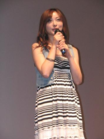 奈緒美役を演じた徳澤直子。雑誌『CanCam』のモデルとしても人気。