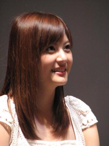 雑誌『non-no』専属モデルをつとめるほか、『Going』(日テレ系)のお天気キャスターとしても人気の佐藤ありさ。