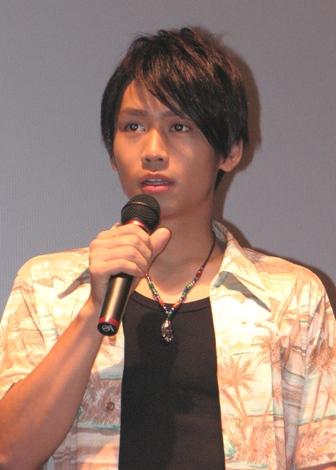 『ヘキサゴン』ファミリーとしても人気の、俳優・崎本大海。